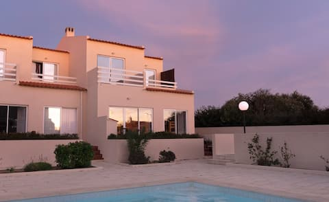 Luxury 3 bedroom villa in central Sagres. Sleeps 7