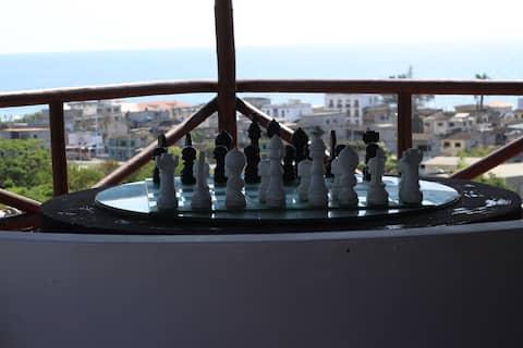 Aukštumos Montanitoje, Šachmatų namai