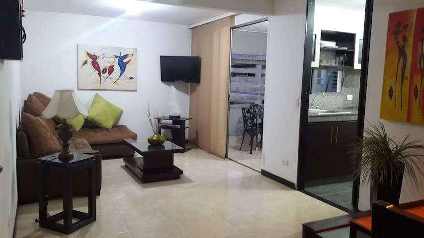 APARTMENT NEAR CHIPICHAPE SHOPPING, PATIOS FLORA