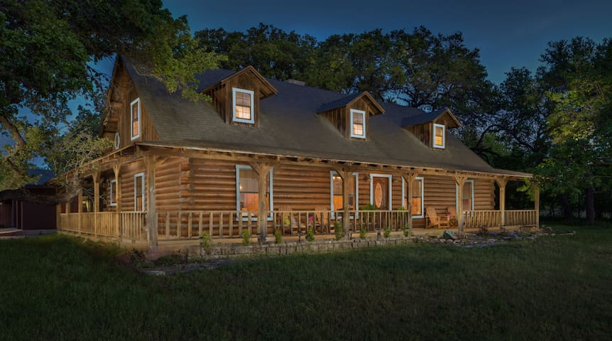 beautiful austin log home cabins for rent in austin