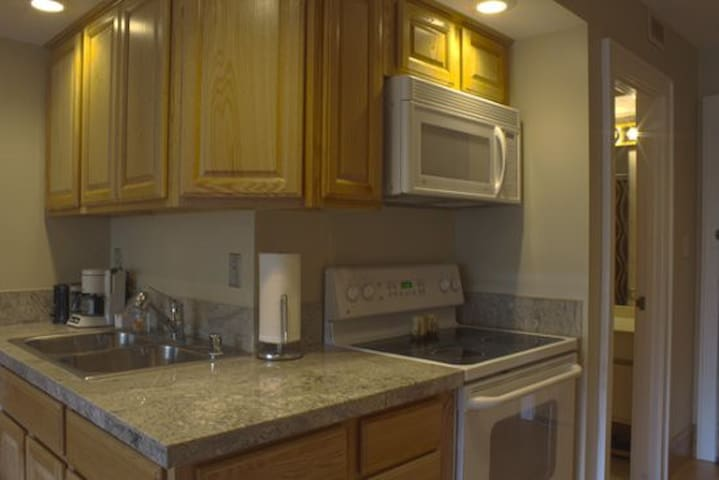 Tamarron Vacation Rentals 510 - Kitchenette Area - Durango, Colorado