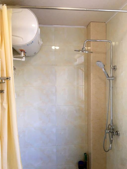 热水器,淋浴花洒