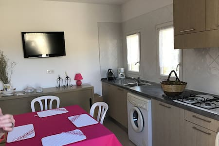 AGREABLE APPARTEMENT EN REZ DE JARDIN - Calvi - 아파트
