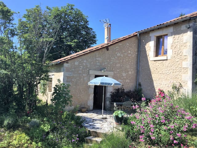 Holiday cottage in Dordogne - Grand-Brassac - บ้าน
