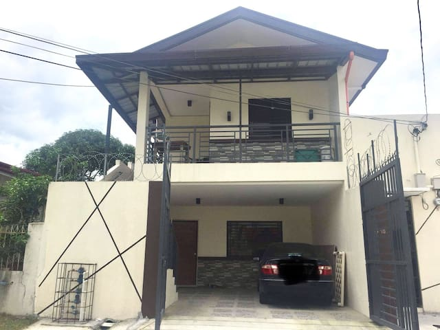 BRAND NEW Entire House near clark and marquee Mall