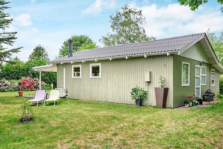 6 person holiday home in Eskebjerg