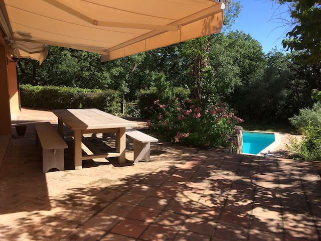 Large Villa near to Hyères, 20mn from beaches