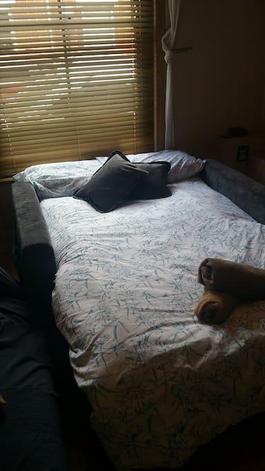 Downstairs sitting room/bedroom
