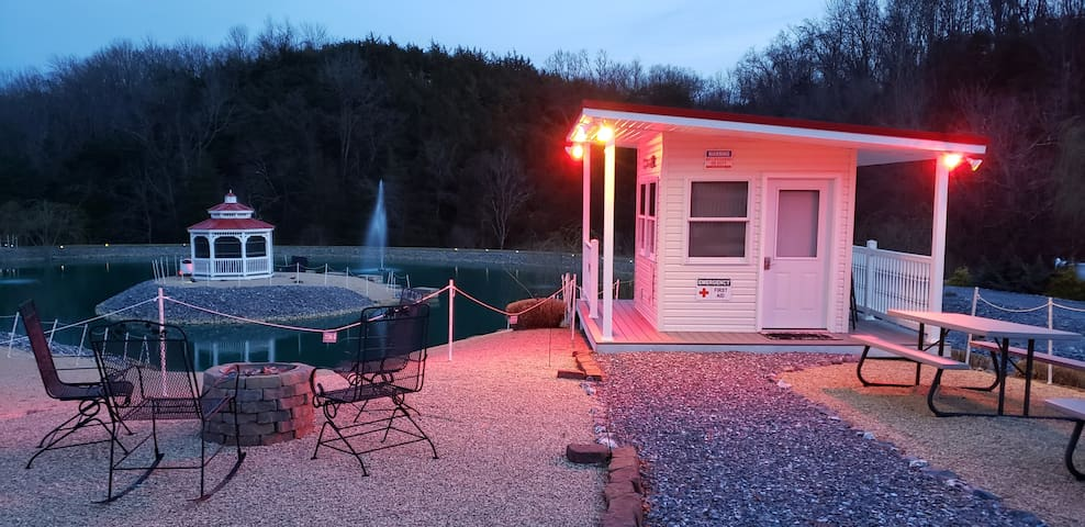 """""""Beach House Bungalow"""" GlamCampn'-Cozy & Romantic!"""