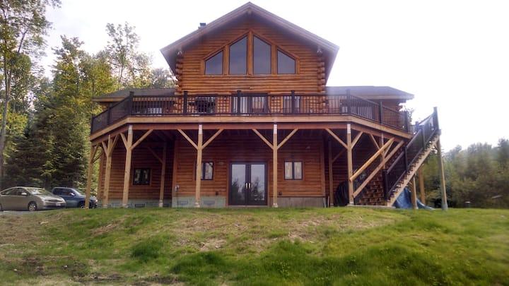 White Mountain Retreat near Cannon & Bretton Woods