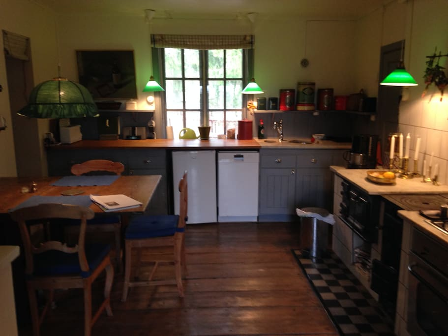 Charming old style kitchen, yet modern and fully equipped with deep freezer, dish washer etc