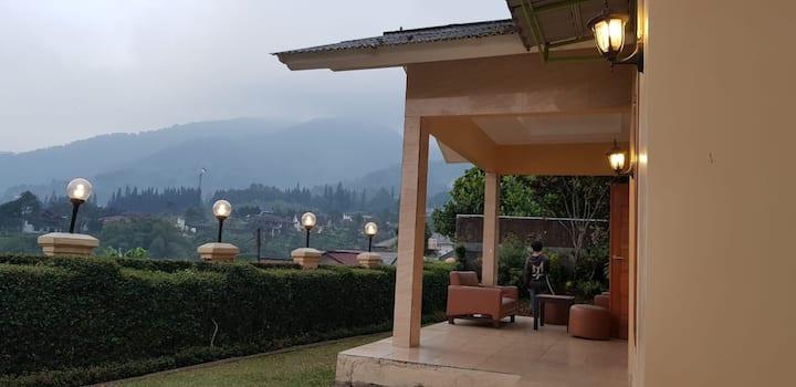 BoBo queen house 3 ( villa baba II)  mountain view