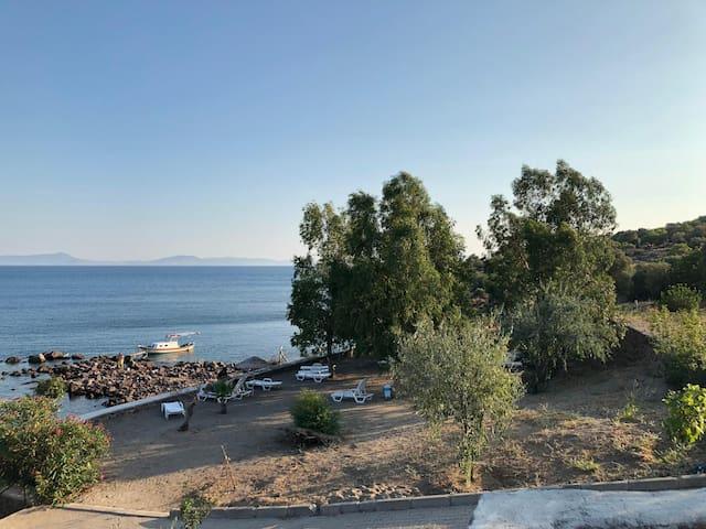 Deniz manzaralı butik taş villa