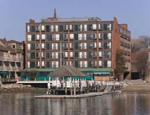 Wyndham Inn on the Harbor 1 Bedroom Suite Newport
