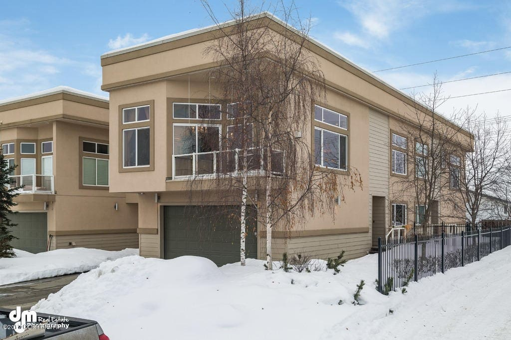 Luxury Condo/Townhouse on Parkstrip IN WINTER!!