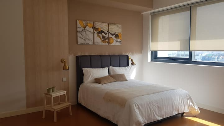 {NEW} 2-5 pax Golden Deluxe Suite @Damansara, PJ