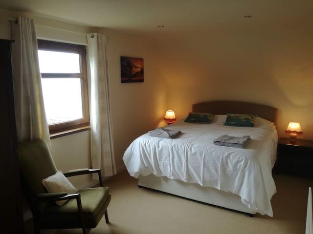 Bedroom 3 - beach view