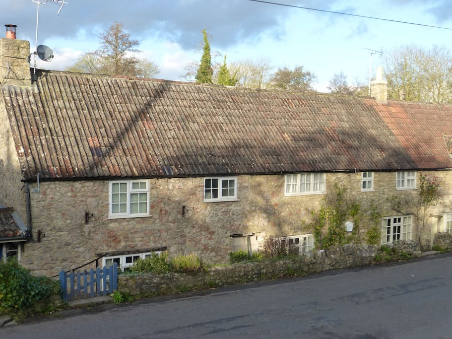 Top Lane - the ancient cottages opposite