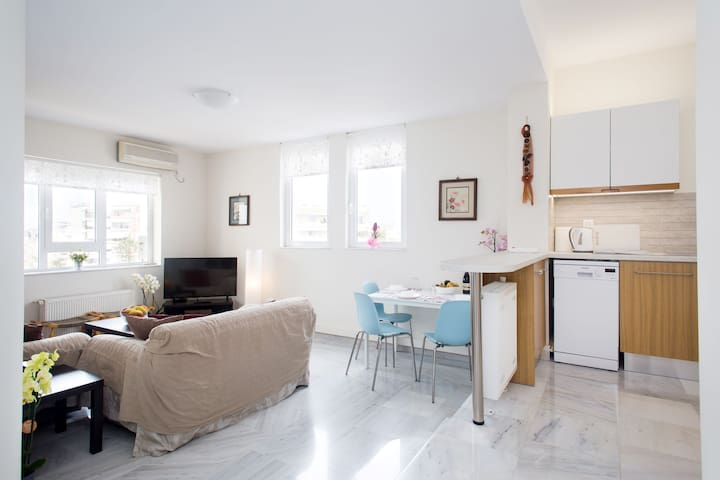 Lemon Grove Apartment