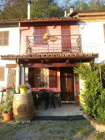 Soggiorno Romantico e silenzioso nel Monferrato - Borgo Impero - Dom