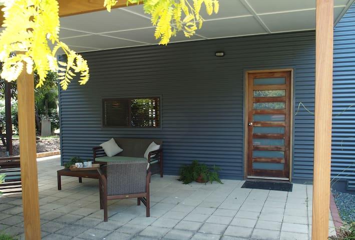 Macadamia Cottage