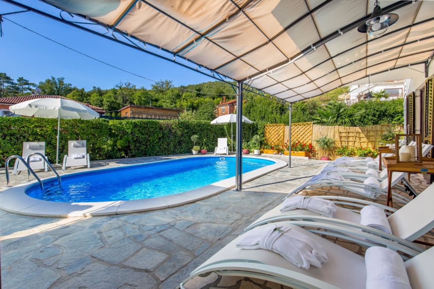 Private pool 7 x 3,5 m :-)