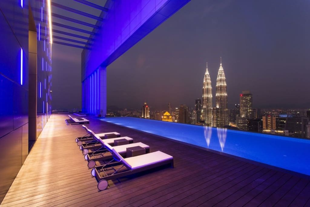 Night view Rooftop Pool