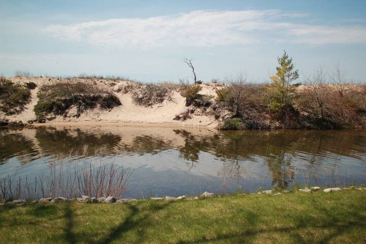 Waterfront Walk Out at the Homestead Resort- Available Year Round