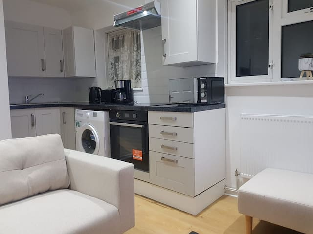 Entire flat, cleaning service available