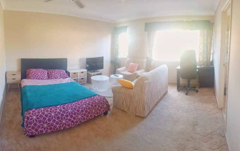 Master room in good location, plaza與萬隆商圈 Cp05