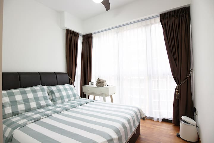 2Br central apt just 5min walk to Aljunied MRT