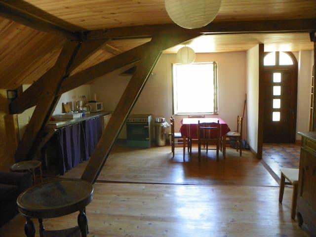 Gite 5-6 personnes en Périgord - Thiviers