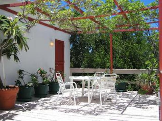 Greengard Villa - Ideal for Couples and Families, Beautiful Pool and Beach - Rendez-Vous Bay - Huvila