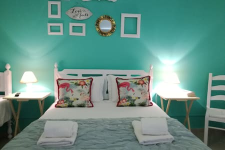 Lagoa  Azul Guest House( Bed and Breakfast)