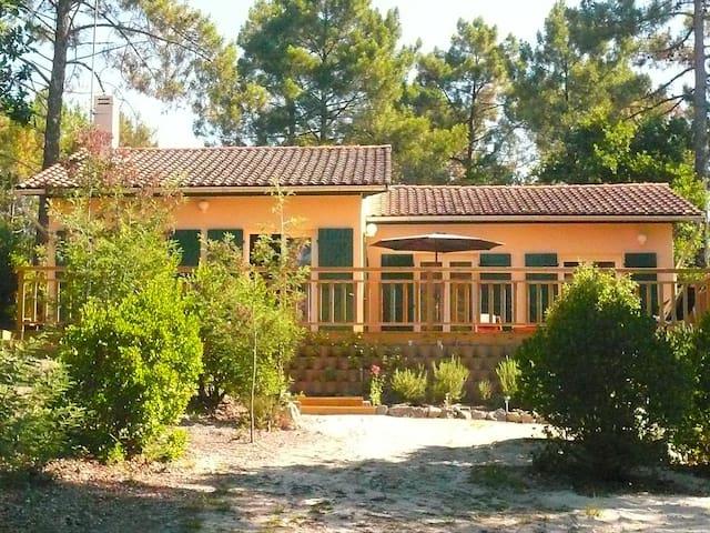 Villa très agréable à Maubuisson-31HM - Carcans - Dům