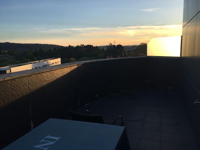 Piso con terraza a  minutos del centro de santiago - Santiago de Compostela - Leilighet