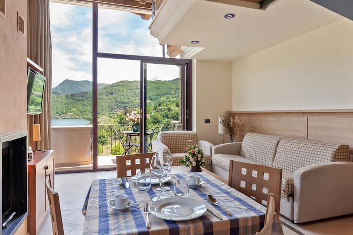 Lavish Holiday Home in Scanno near Lago di Scanno
