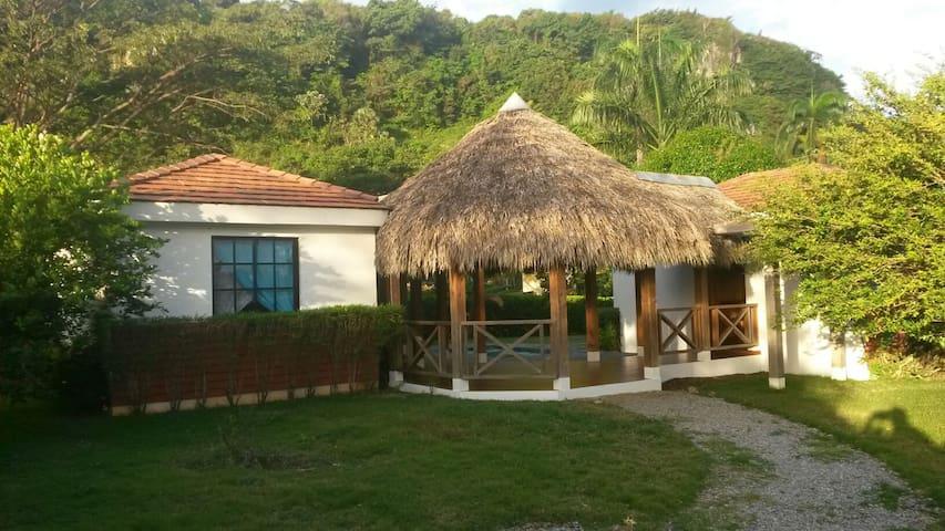 Villa Alan - Cabrera - Rumah