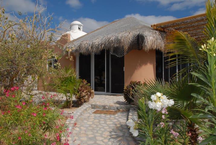 Casa Jasmin - private access to the beach