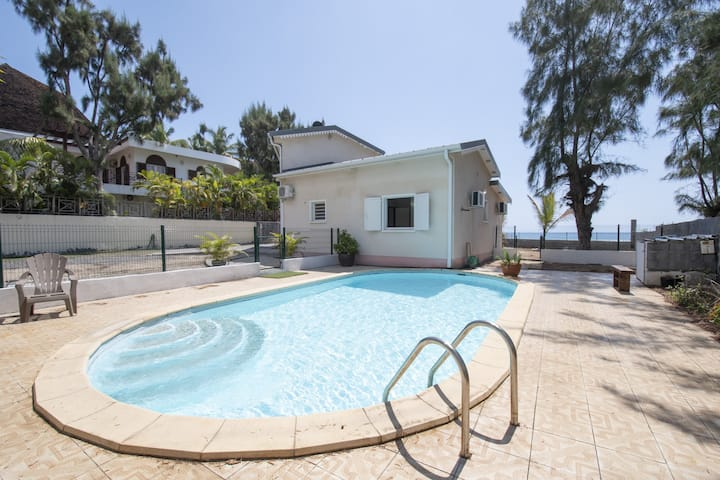 Villa Perroquet 4****- 157 m2- Pool & Beach access