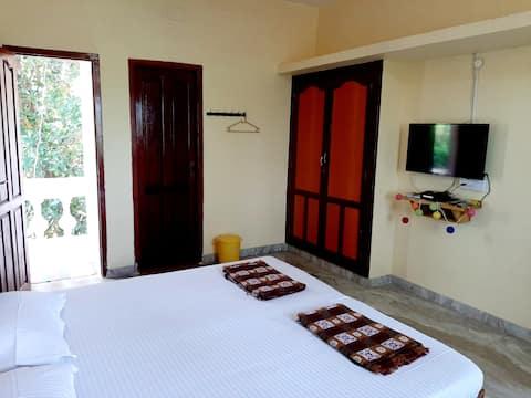 Ravi Homestay 2 Auroville Beach(AC)