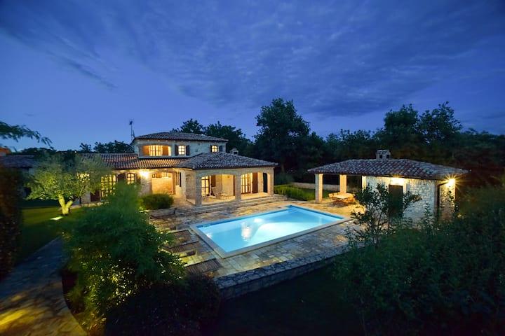 Luxury villa with heated pool