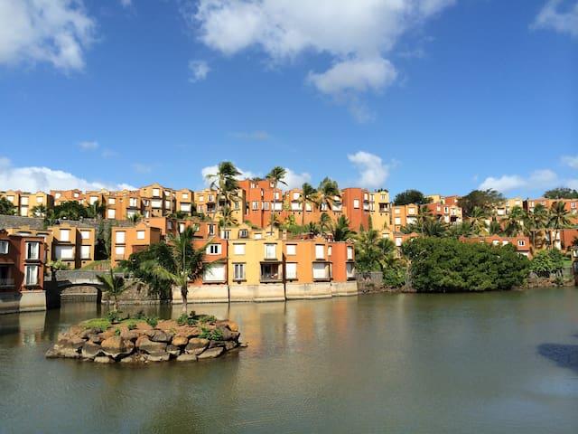 Ocean-Facing French Villa in Resort - Baie du Tombeau