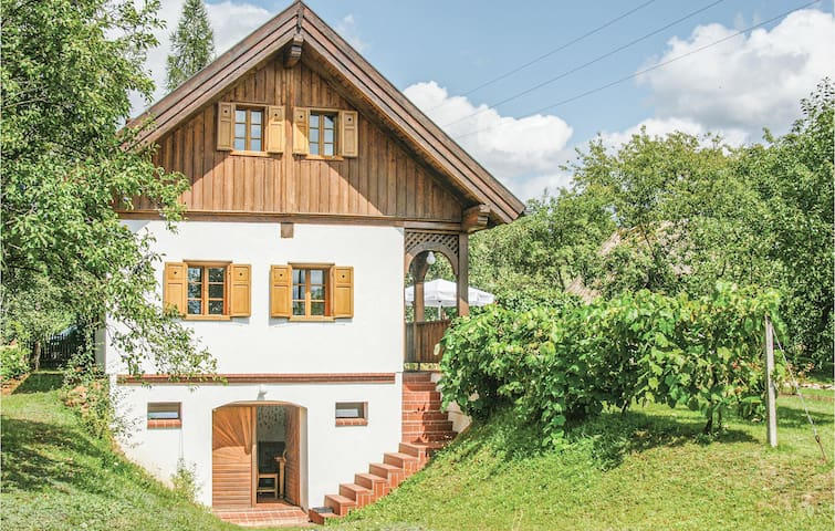 Holiday cottage with 1 bedroom on 120m² in Reinersdorf