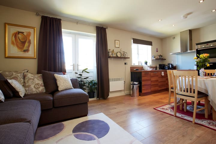 Charming room in a desirable area