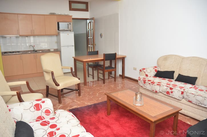 Modern Fully-Equipped Palmarejo Apt - Praia - Lejlighed