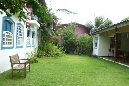Charmosa Casa Arte Latina perto da piscina Natural - Maraú - Casa de huéspedes
