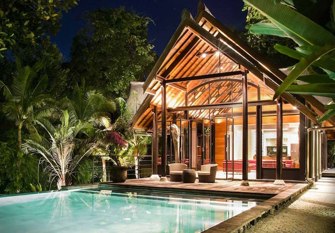 Stunning 2 Bedroom villa Estate in Canggu - Mengwi - House