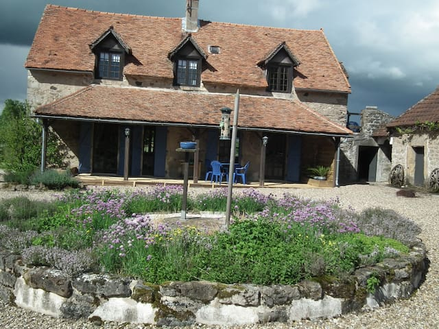 CHARDONNAY FARMHOUSE APARTMENT - Dracy-lès-Couches - Leilighet