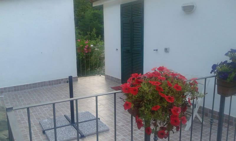 Two-room apartment very close to La Spezia - Vezzano Ligure - 一軒家